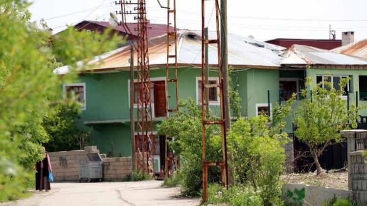 Van'da taziyede koronavürüse yakalanan aynı aileden 13 kişinin tedavisi sürüyor