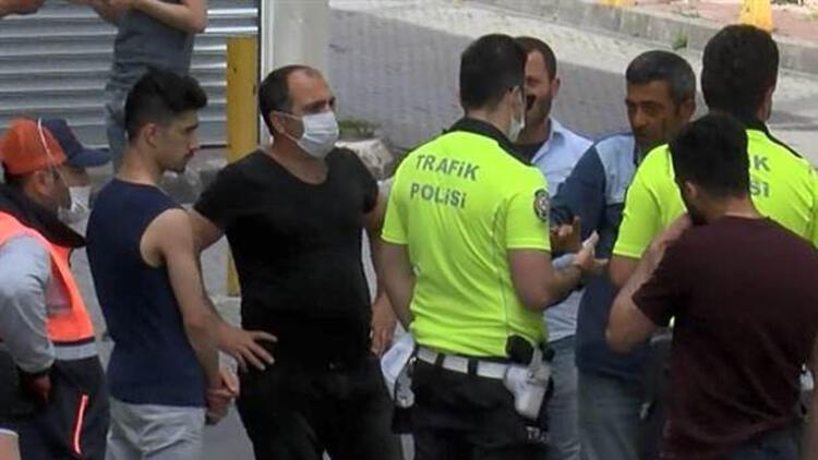 Fatih'te market önünde maske gerginliği
