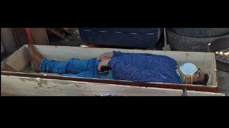 Peru'da belediye başkanı karantinayı ihlal etti, yakalanınca tabuta girip ölü taklidi yaptı