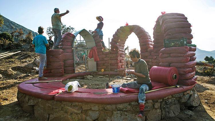 Kırsalda yaşamanın bir adım ötesi: Kendi evini inşa etmek