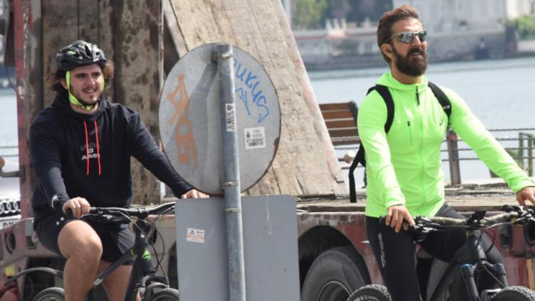 Harun Tan oğlu Can ile bisiklet sürdü