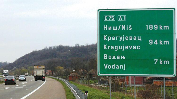 Sırbistan, gurbetçilerin tepki gösterdiği karardan vazgeçti
