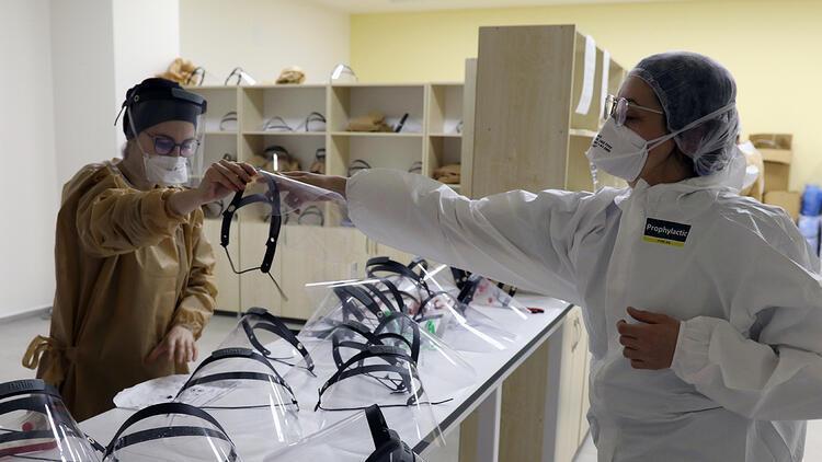 Koronavirüs mücadelesi: Bir laboratuvardan diğerine geçiş yasak