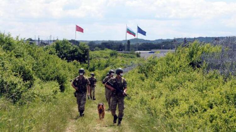 Yunanistan ve Bulgaristan sınırındaki 'Hudut Kartalları' bayramda görev başında