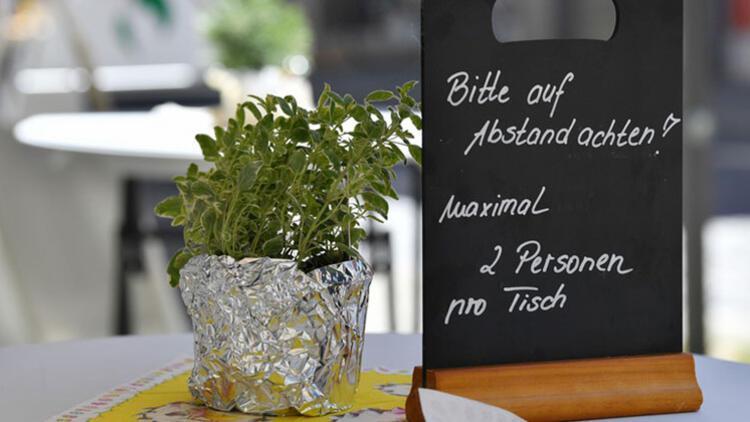 Korkulan oldu: Restoran sahibi ve müşterilere virüs bulaştı