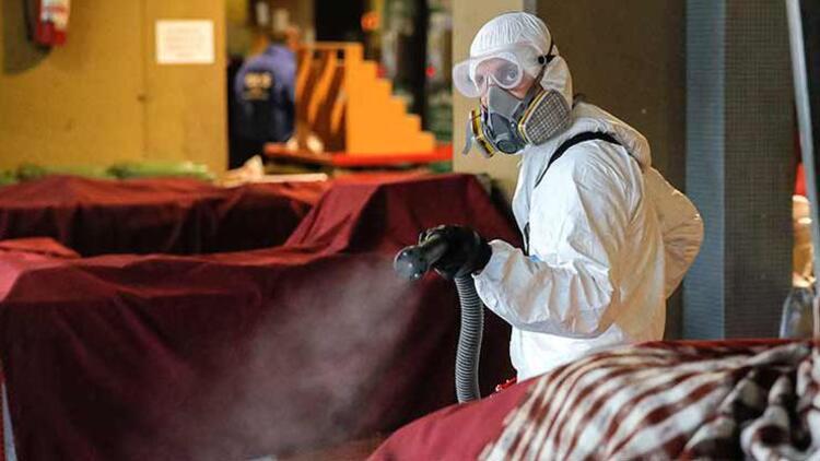İngiltere'de koronavirüsten ölü sayısı 36 bin 793'e çıktı