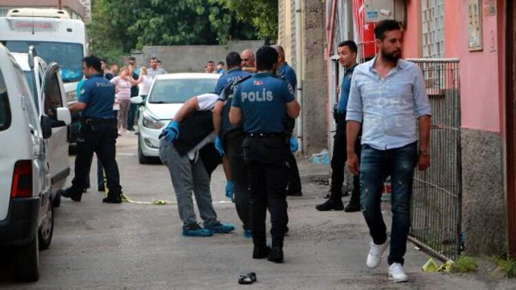Adana'da iki kardeş silahlı saldırıda yaralandı