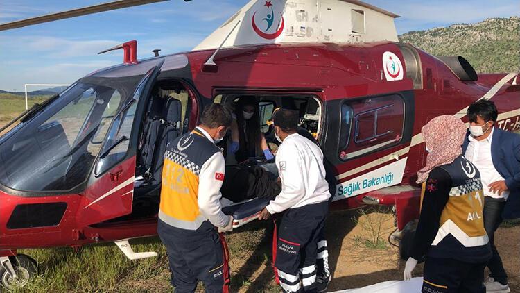 Yayladan alınan çoban, ambulans helikopterle hastaneye götürüldü
