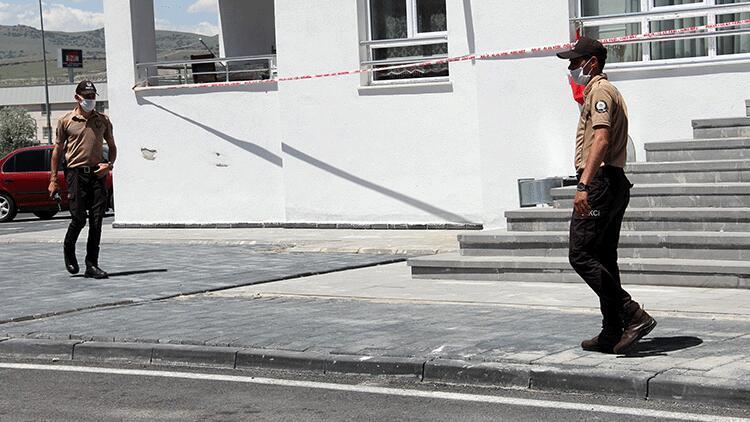 Kayseri'de 12 katlı apartmana corona virüs karantinası