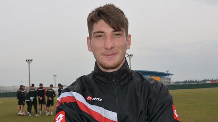 Balıkesirsporlu Rahmi Anıl Başaran, Trabzonspor'la imzaladı! 4 yıllık...