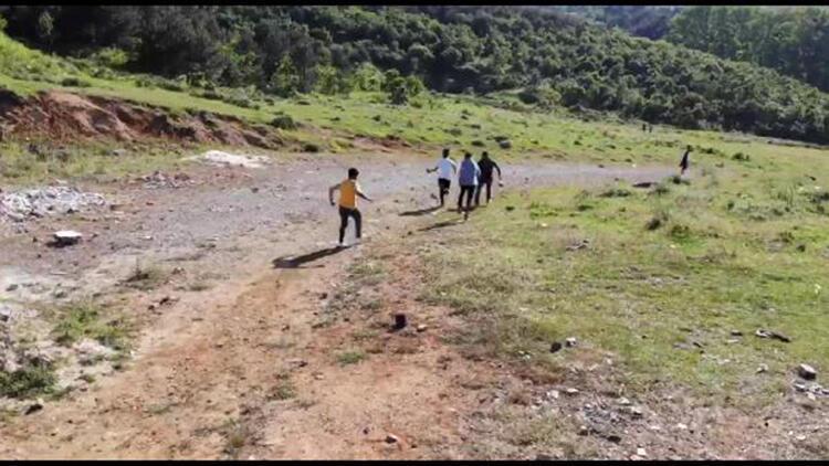 Yasağa aldırmayıp piknik yapanlar drone görünce kaçtılar