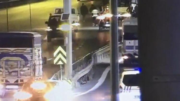 Kontrol noktasında polise çarpıp kaçan sürücü yakalandı; çarpma anı kamerada