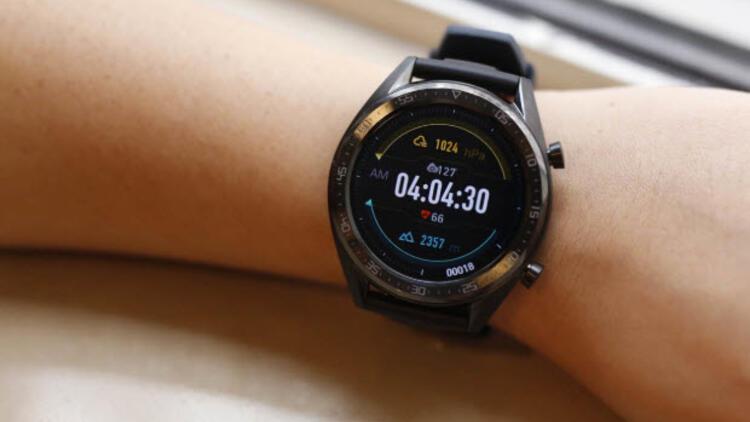 Huawei Watch GT 2e yüksek puanları topladı, ödülü aldı