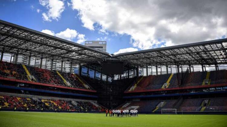 Rusya'da futbol karşılaşmalarına az sayıda seyirci izni