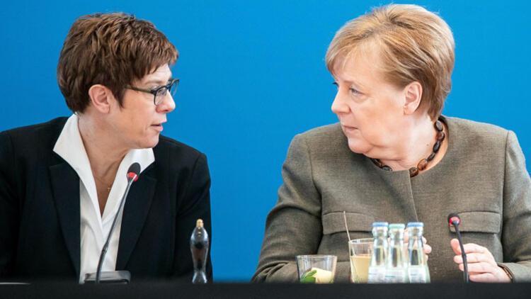 Almanya, aşırı sağcı askerleri uzaklaştırmak için yasayı değiştiriyor