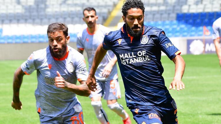 Başakşehir'den resmi maç gibi çift kale antrenman!