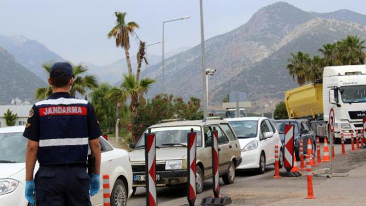 Antalya girişinde yoğunluk