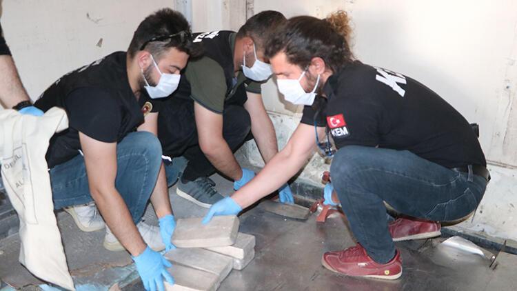 Esendere Gümrük Kapısı'nda aranan TIR'dan 142 kilo eroin çıktı