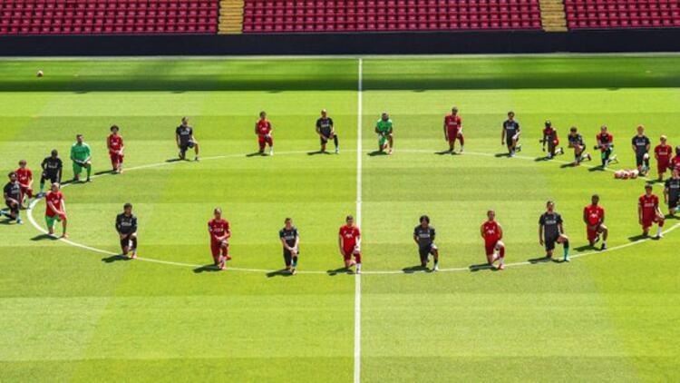 Liverpool, saha içinde George Floyd için diz çöktü