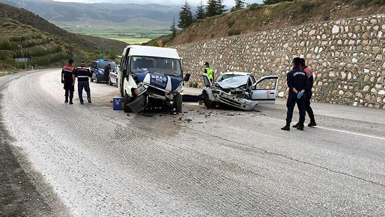 Feci kaza! 1'i bebek 2 ölü, 8 yaralı
