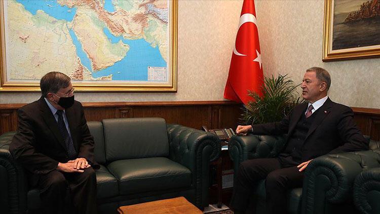 Milli Savunma Bakanı Hulusi Akar, ABD'nin Ankara Büyükelçisi Satterfield'ı kabul etti