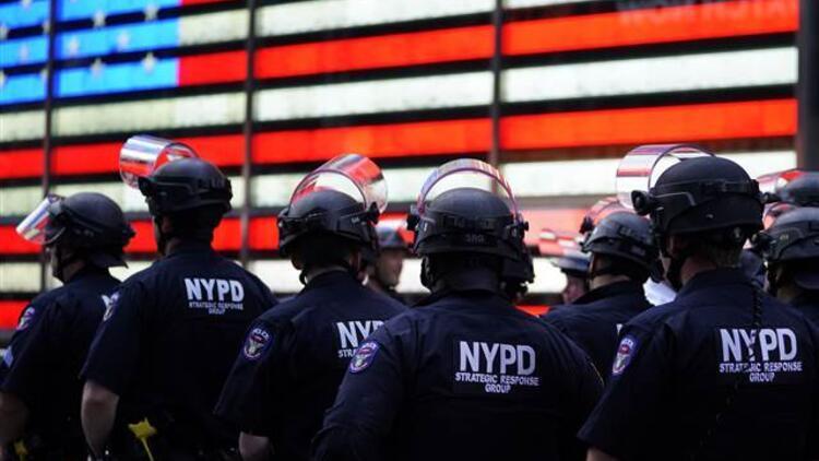 New York'ta sokağa çıkma yasağı ilan edildi
