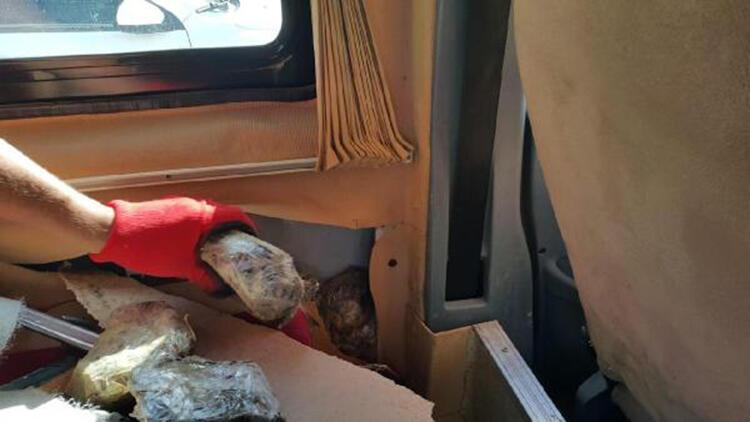 Minibüste 55 kilo Afyon sakızı ele geçirildi