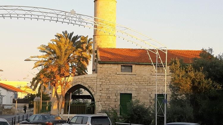 Güney Kıbrıs'taki camiye yapılan saldırıya Rum Kesimi'nden kınama açıklaması