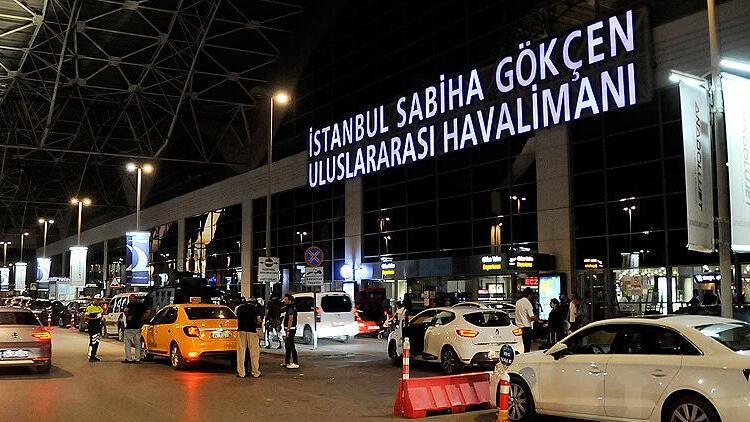 Sabiha Gökçen Havalimanı'nda yoğunluk yaşanıyor