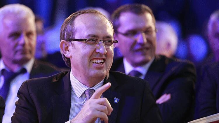 Kosova'da yeni hükumet kuruldu... Kabinede bir Türk yer aldı