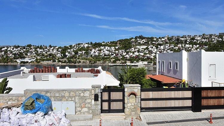 Yılmaz Özdil'in villasındaki kaçak eklentilerin yıkım çalışması 7'nci gününde