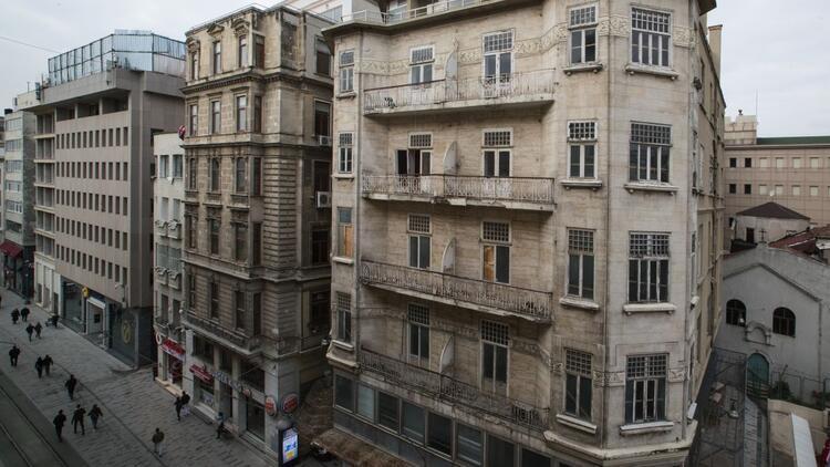 İş Bankası'ndan Beyoğlu'na resim müzesi...
