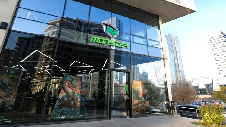 Monster Notebook mağazaları yeniden açılıyor
