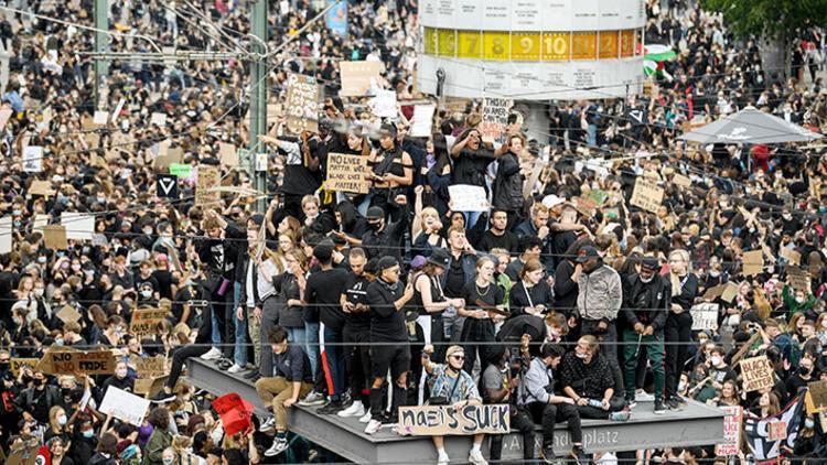 Avrupa'da da ırkçılık tehdidi büyüyor!