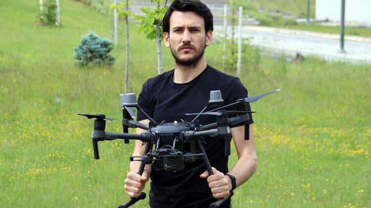 Rüzgar türbinleri artık dronelarla temizleniyor