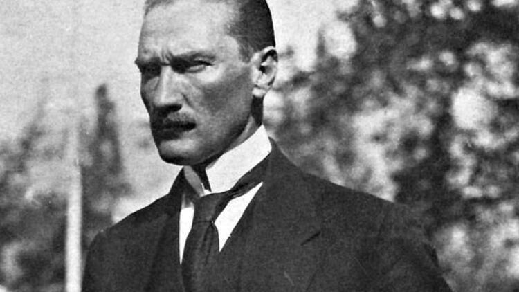 Karizmatik bir liderin oluşumu: 'Ekranlardaki Atatürk'
