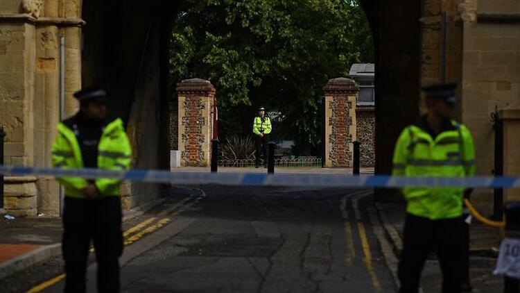 Son dakika: İngiltere'de düzenlenen bıçaklı saldırı terör olayı ilan edildi