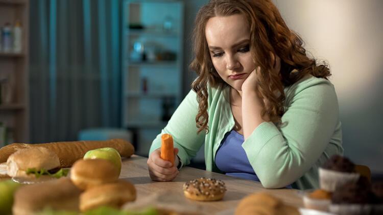 Depresyon mu Kilo Aldırıyor, Kilo Alınca mı Depresyona Giriyoruz?