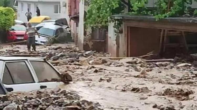 Bursa'da sel bilançosu: 33 bina ve 30 bin 500 dönüm tarım arazisi zarar gördü