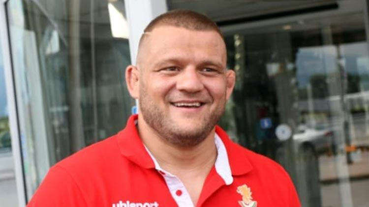 Ünlü Bulgar güreşçiler Simeon Shterev ve oğlu Nikolay Shterev koronavirüse yakalandı