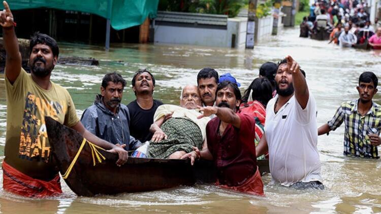 Hindistan'da yıldırım çarpması sonucu 23 kişi hayatını kaybetti