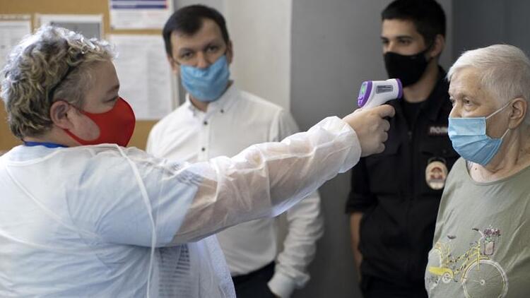 Rusya'da Covid-19 vakası sayısı 620 bini aştı