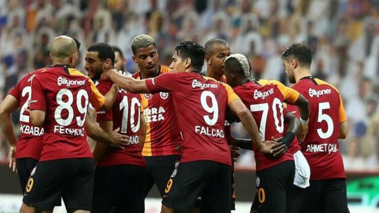 Galatasaray, lider Medipol Başakşehir'in konuğu oluyor