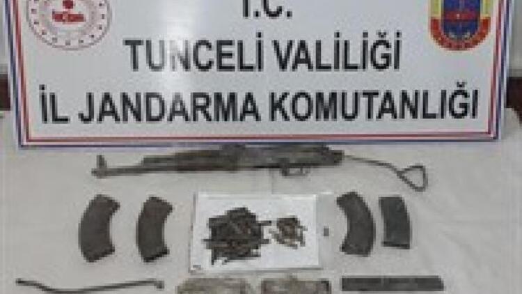 Tunceli'de teröristlere ait silah ve mühimmat ele geçirildi