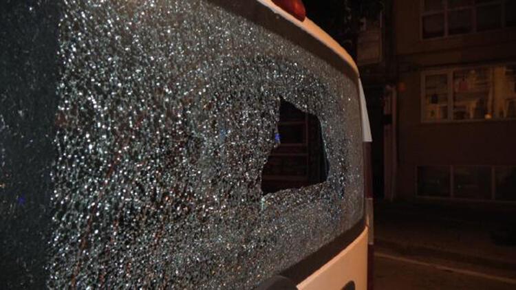 Trafikteki silahlı saldırıda, yolda yürüyen kişi yaralandı