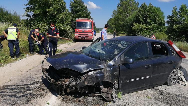 Çanakkale'de takla atan otomobilde 4 kişi yaralandı