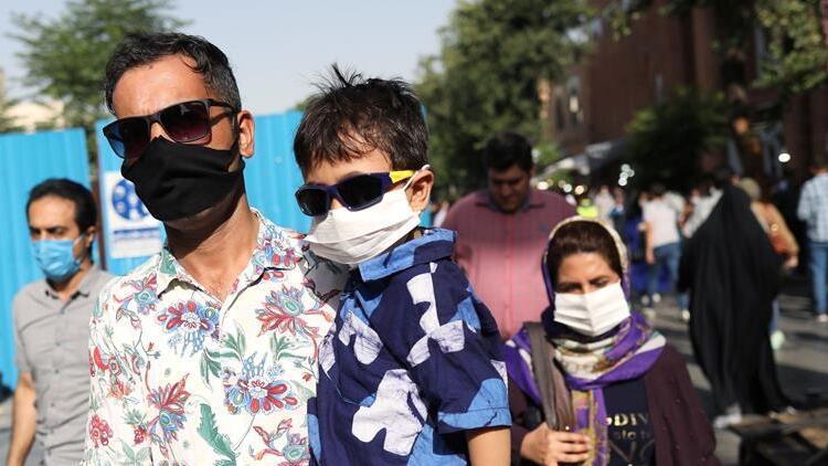 İran'da Covid-19 nedeniyle ölümlerde son 24 saatte rekor yaşandı