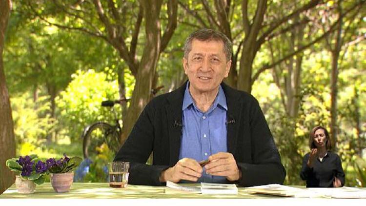 Bakan Selçuk, TRT EBA TV'de 'Yaz Okulu' açılışında konuştu
