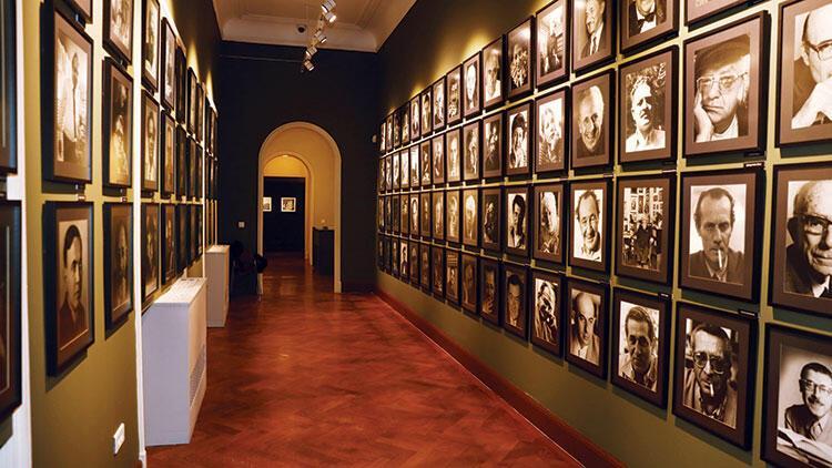 Ara Güler sergisi yeniden 'Merhaba İzmir' diyor, Arkas Sanat Merkezi ziyaretçilerini bekliyor