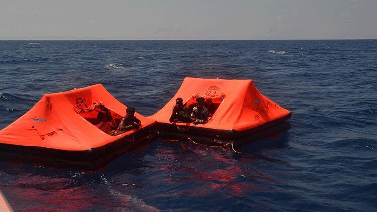 İzmir açıklarında kurtarıldılar